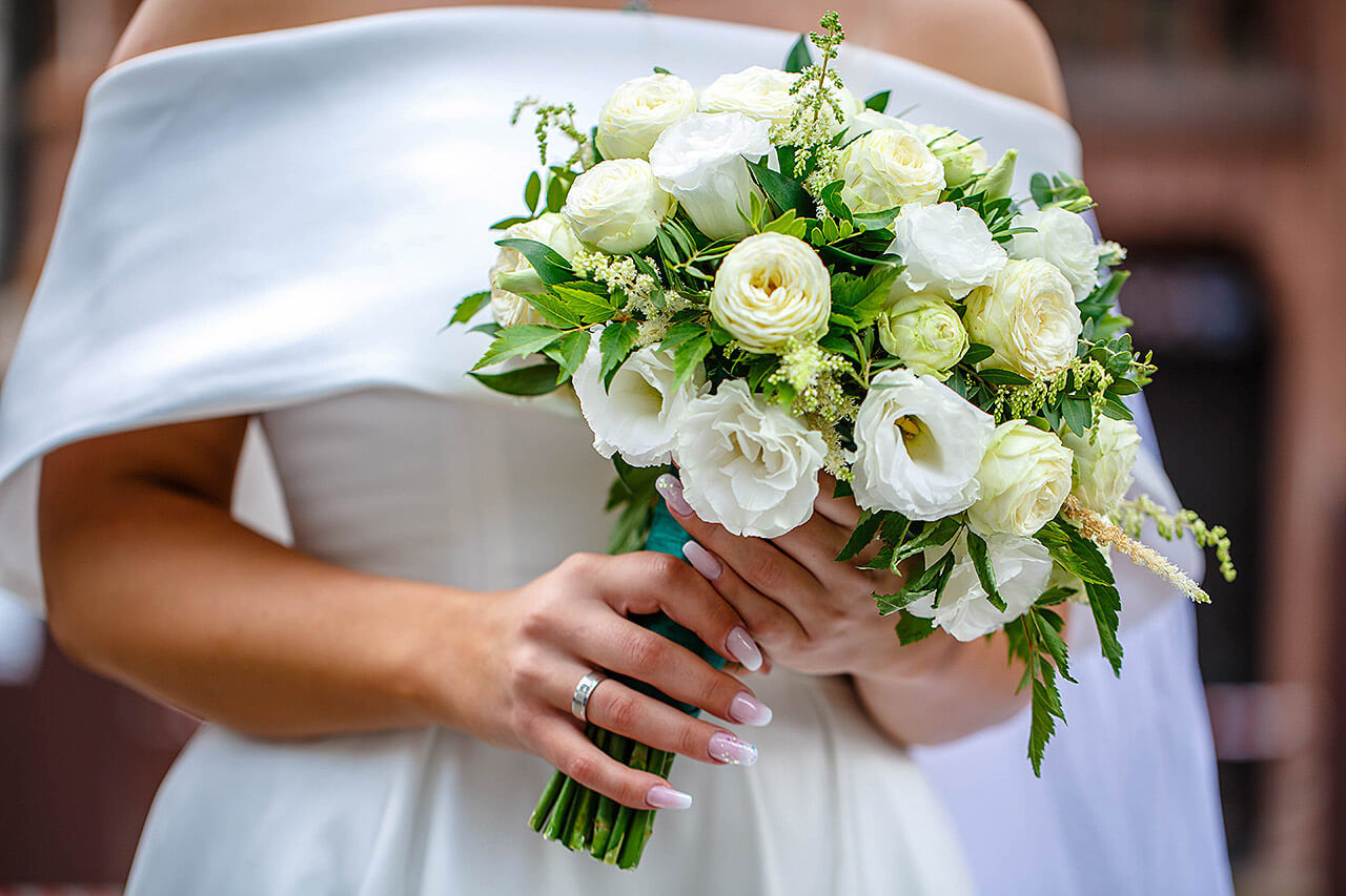 Hochzeitsfloristik Dresden mit einem wunderschönen Brautstrauß.